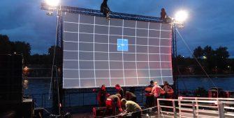 Location barge ponton modulaire flottant cinéma Paris