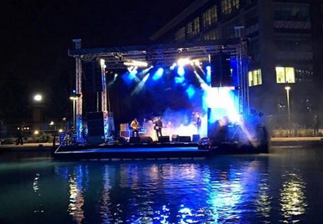 barge flottante modulaire concert location réalisation betc greausse fête pantin
