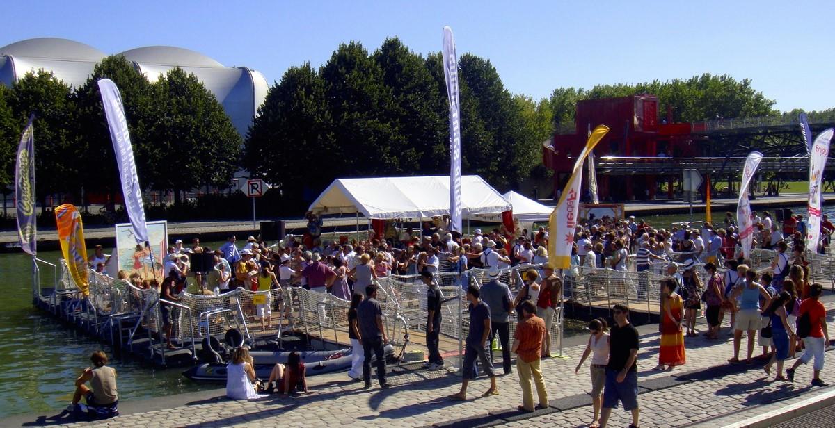 location Expert scène flottante bal barge modulaire Ile de France