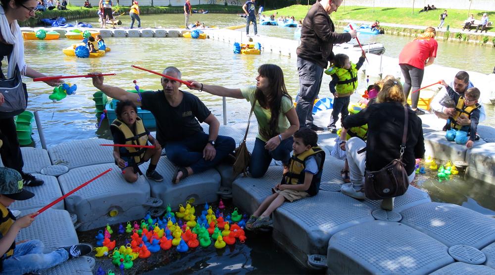 Organisateur-loisir-animation-nautique-lac-kayak-pédalo