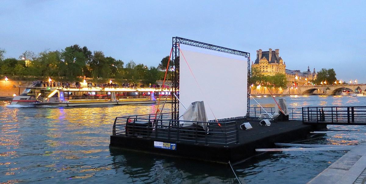 Original-barge-évènementielle-modulaire-Paris