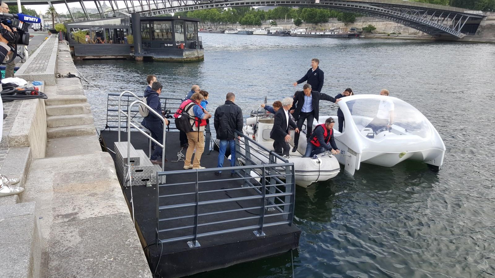 location-ponton-flottant-modulaire-bateau-expert-paris