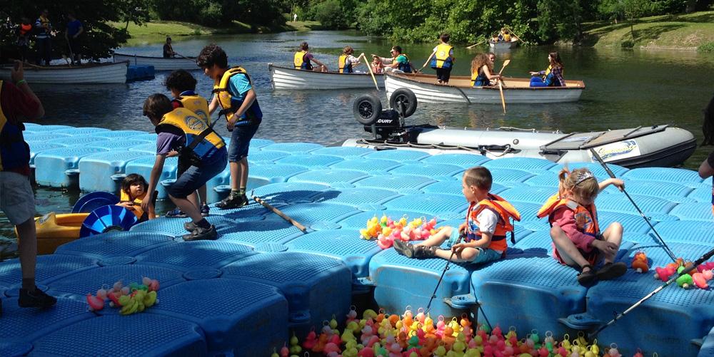 location-ponton-sportif-animation-kayak-aviron-barque-pédalo